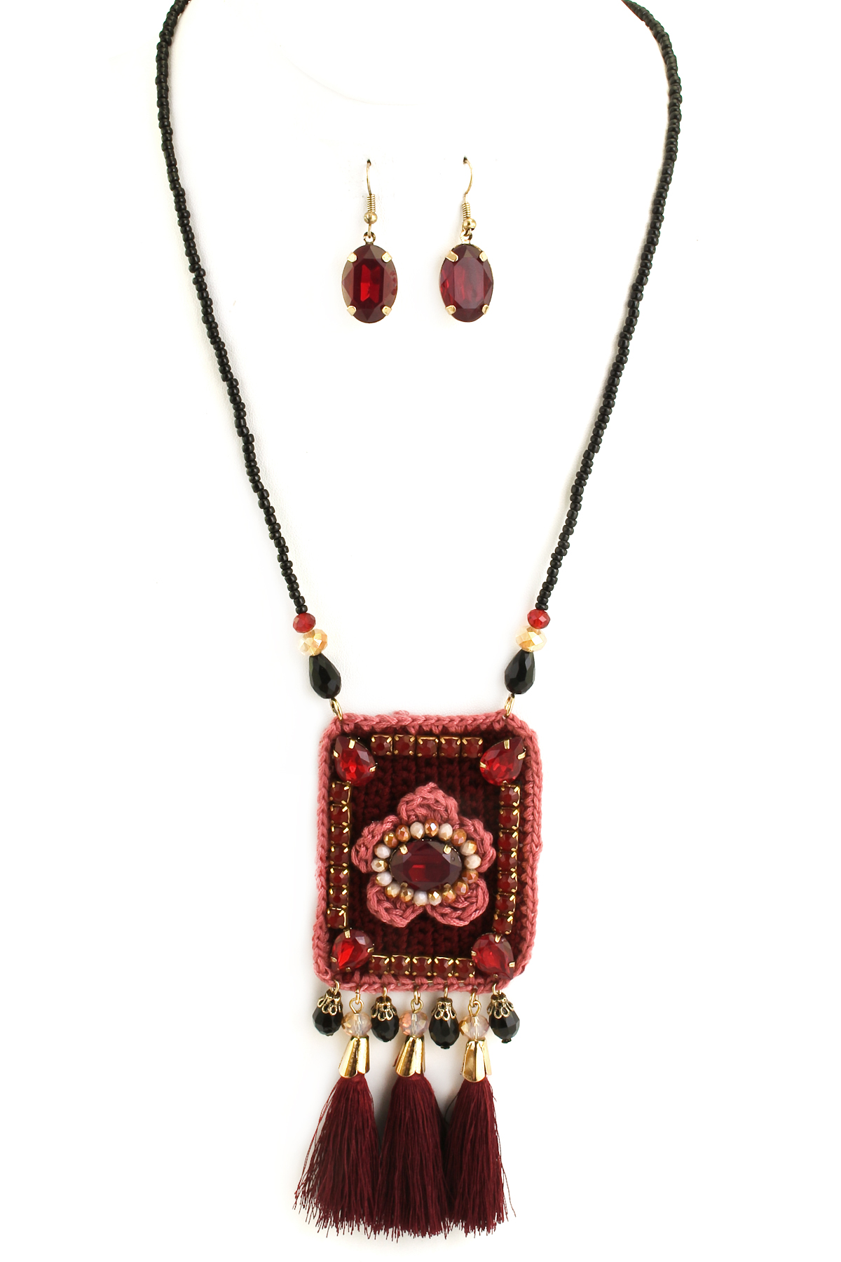 Knit Floral Pendant With Faceted Jewel Tassel Necklace Set
