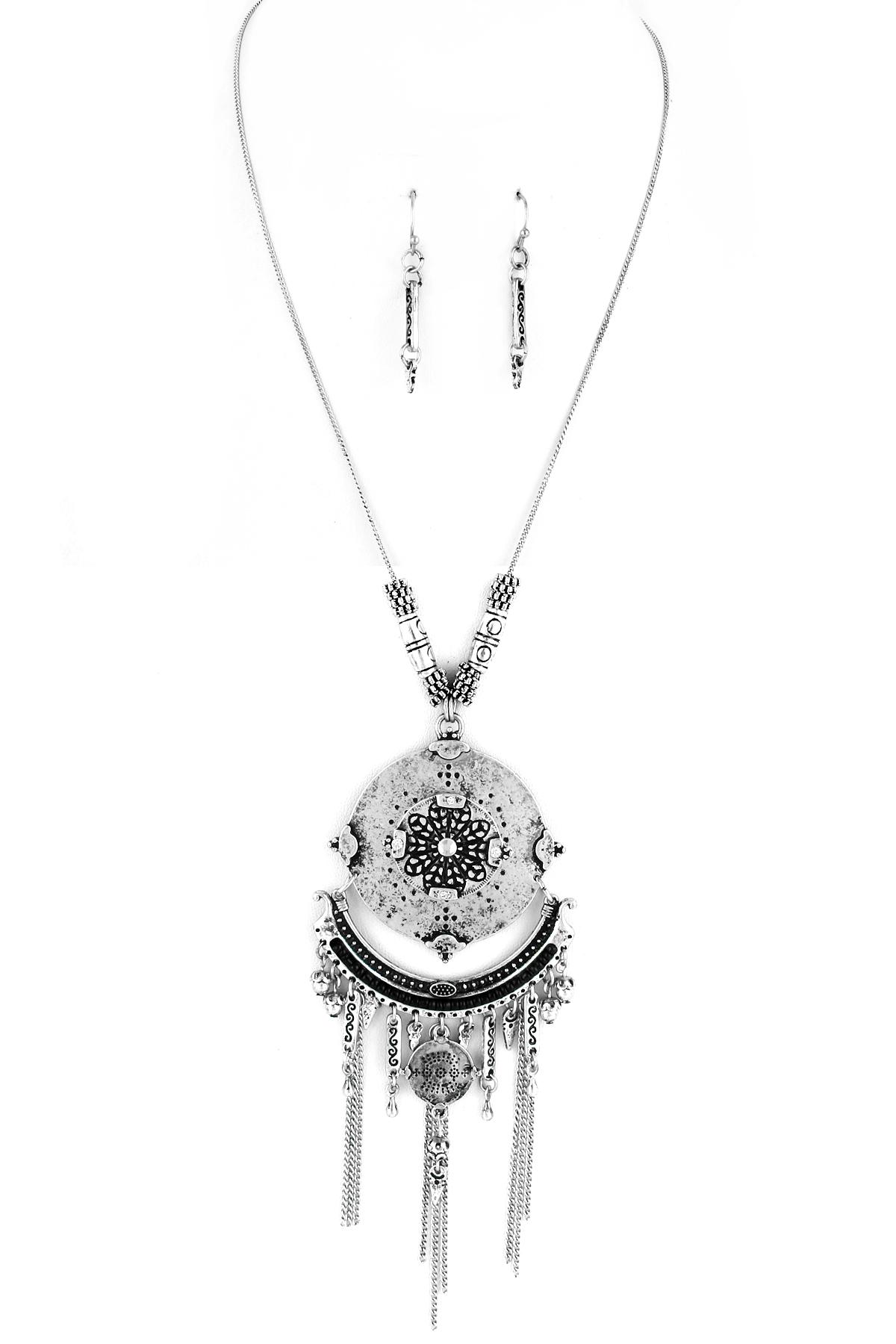 engraved metal floral pendant necklace