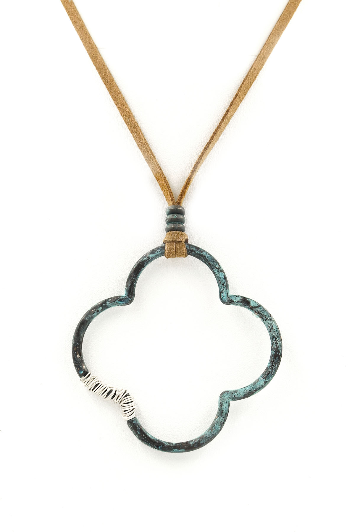 Quatrefoil Pendant Pull Tie Necklace