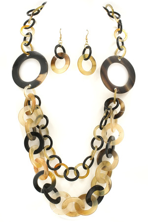 Horn Pull-Tie Necklace Set