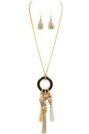 Wood Ring Pom Pom/Tassel Pendant Necklace Set